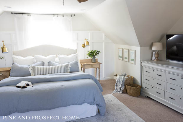 Heirlooms & Thrifty Decorations Enrich a Century-Old ...  Thrifty Bedroom Ideas